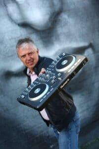 Top Ten Best Corporate Entertainment DJ Ideas